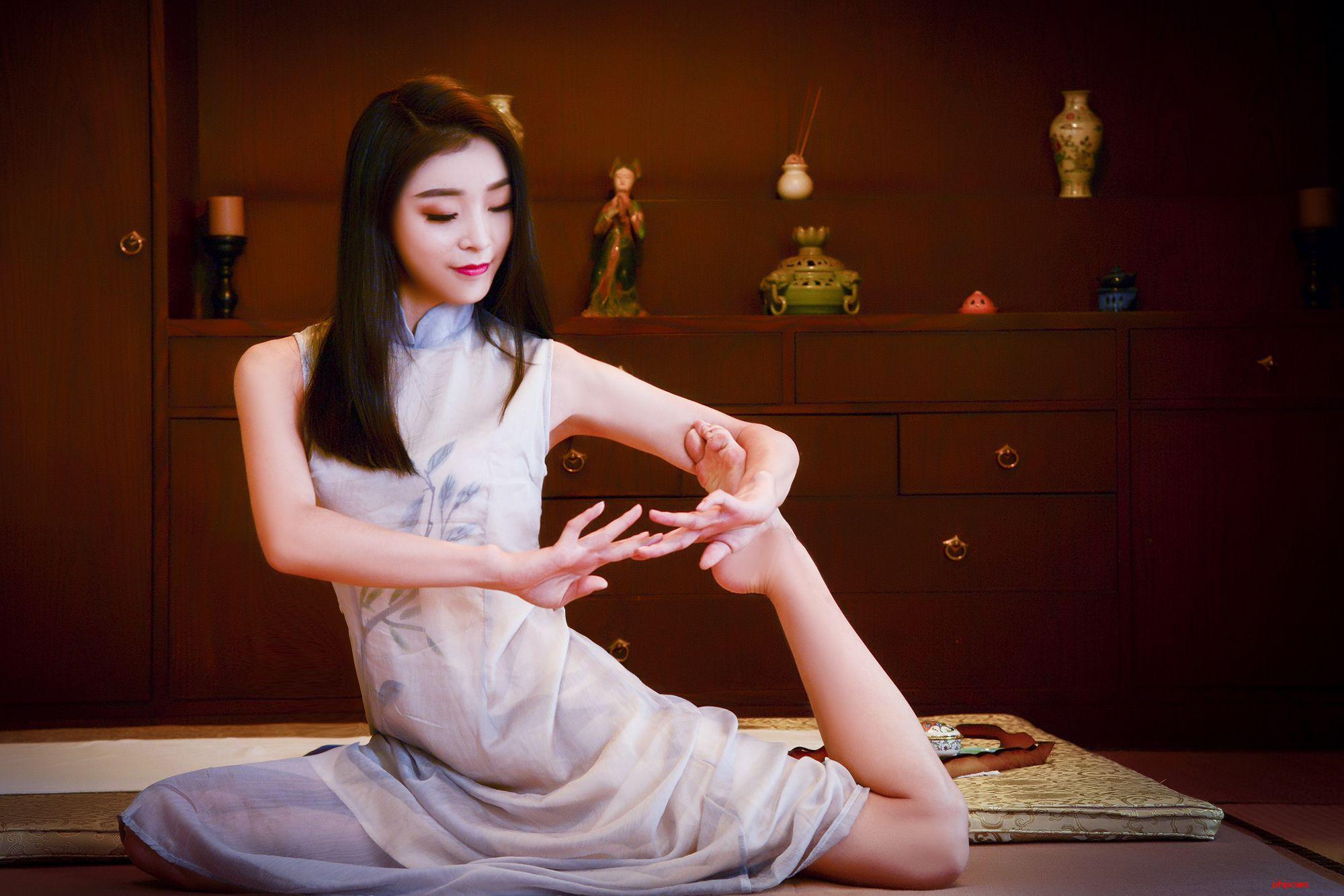 灵性瑜伽_男士休闲养生会所